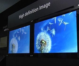 Up close with Sharp's better-than-Retina 498dpi IGZO display