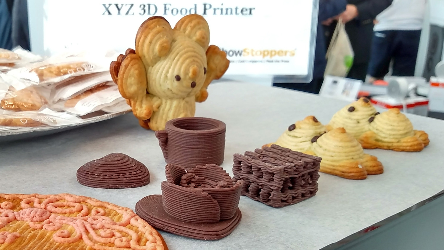 This 3d food printer prints chocolate cookie dough or for 3d cuisine boe