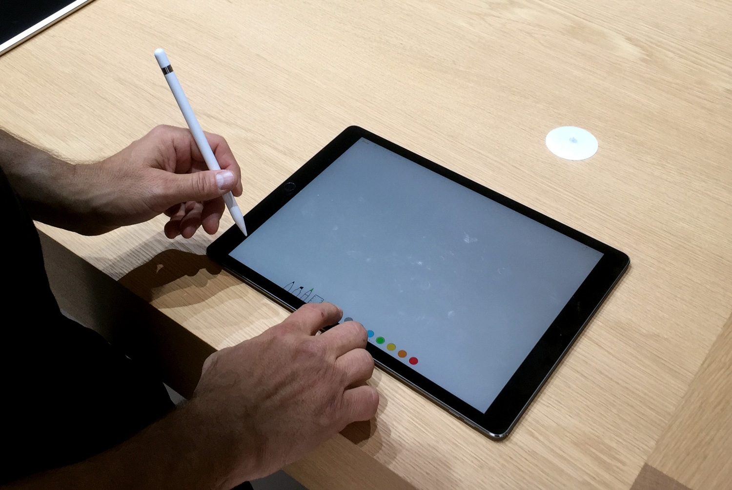 we get hands-on with the ipad pro  apple pencil and smart keyboard