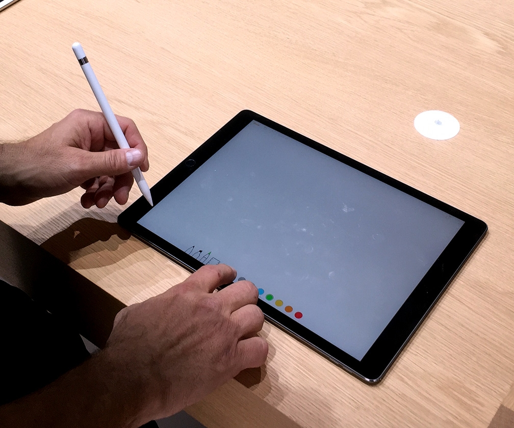 We get hands-on with the iPad Pro, Apple Pencil and Smart Keyboard